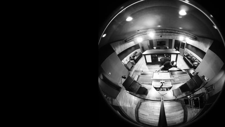 Mix Engineer & Music Producer Christian Cummings